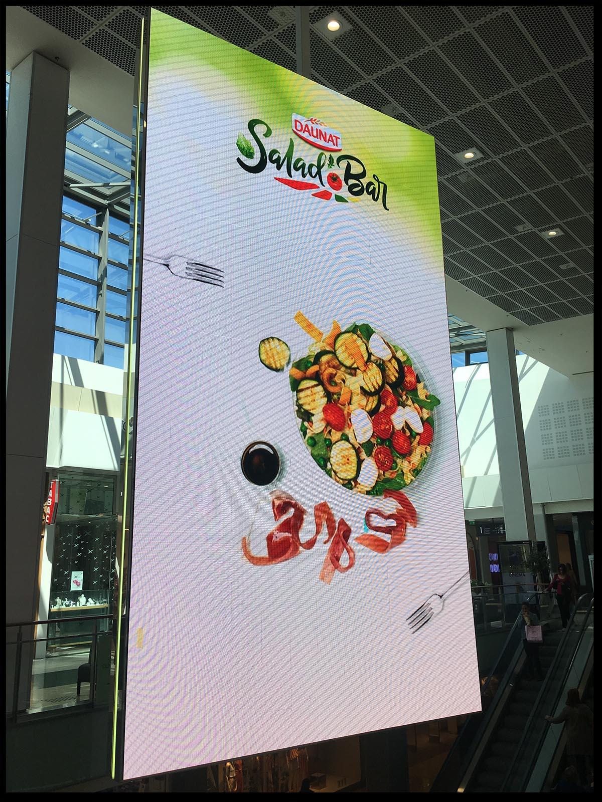 affichage digital du spot Daunat salad bar realise pas la societe de production Arimedias